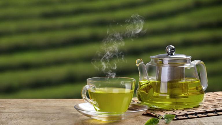 Dùng nước trà nấu cơm
